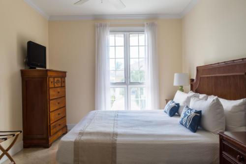 VR 203 Guest Bedroom 2018