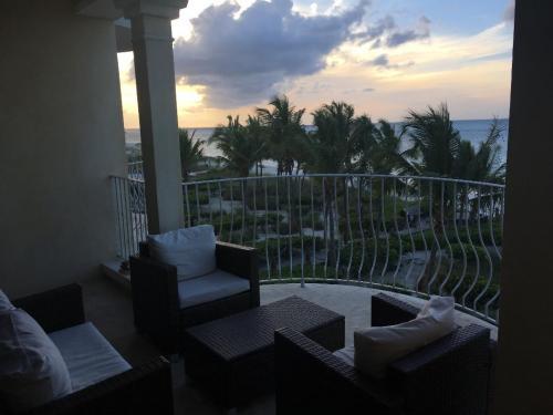 307 Balcony View II